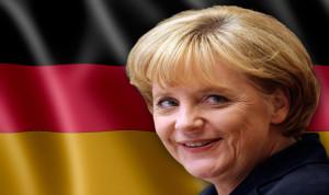 ميركل تدعم يونكر لرئاسة المفوضية الأوروبية