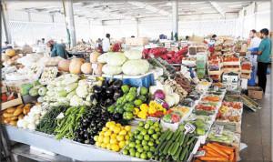 """تجار الخضروات والفواكه بالإمارات يتهمون """"داعش"""" برفع الأسعار"""