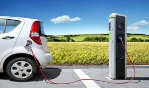 بكين تبني شبكة لشحن السيارات الكهربائية