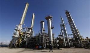 ارتفاع إنتاج النفط الليبي إلى 470 ألف برميل يومياً