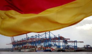 ألمانيا تنجح في تسجيل فائض تجاري قياسي