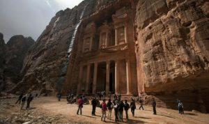 وزير: دخل الاردن من السياحة في الربع الاول هبط 11.9 بالمئة مع تراجع السياح الغربيين