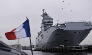 """فرنسا ستتكبد خسائر فادحة في حال أخلت بشروط عقد توريد """"ميسترال"""" لروسيا"""