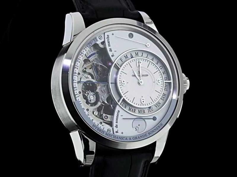 "f56980f9dfc2f ساعة ""جريوبل فورسري"" Greubel Forsey  ويتراوح سعر الواحدة منها ما بين 1-2  مليون دولار، ولها غطاء باللون الأزرق السماوي. وهذه الساعة قام بتصميمها فنان  بريطاني ..."
