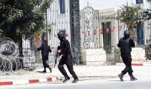 الإرهاب يضرب السياحة التونسية ويعمق أزمتها