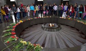 الكنيسة الأرمنية ترسم 1.5 مليون قديس من ضحايا الإبادة
