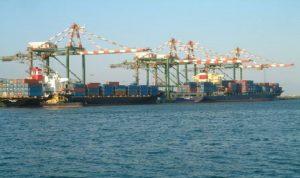 اليمن يواجه صعوبة في استيراد الغذاء و«التحالف» يعترض مزيدا من السفن