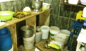 """""""الصحة"""": دهم مستودع للكبيس في الصرفند وتلف حلويات فاسدة في البقاع"""