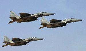 """3 غارات لـ""""عاصفة الحزم"""" على صنعاء والمقاومة تقتل 15 حوثيًا في تعز"""