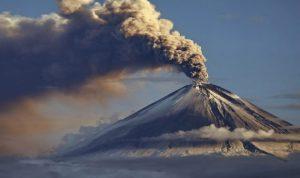إعلان حالة الطوارئ مع استفاقة بركان في الإكوادور