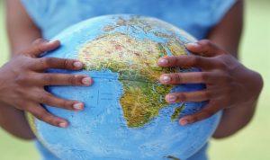 الشفافية الدولية: رجال الأعمال في أفريقيا الأكثر فسادا بعد أفراد الشرطة