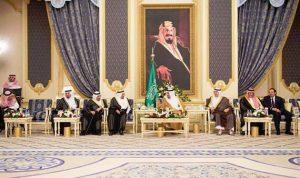 الحريري هنّأ الملك سلمان بحلول رمضان