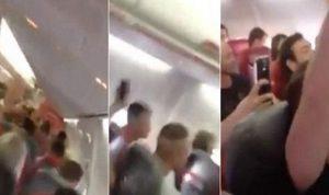 بالفيديو.. ماذا يحصل على متن هذه الطائرة؟!