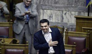 مقترحات تسيبراس تحظى بموافقة البرلمان اليوناني وبترحاب الدائنين