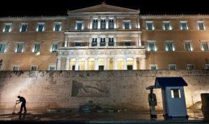 البرلمان اليوناني يقر مجموعة من الإصلاحات للإنقاذ