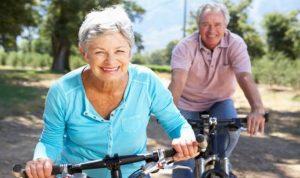 أسباب تجعل النساء أطول عمرًا من الرجال!