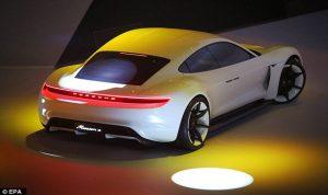 الشركات الألمانية تبذل جهودا جبارة لإنتاج سيارة كهربائية مجدية اقتصاديا
