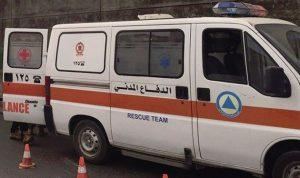 بالصور.. حادث سير في قرنة شهوان ونقل مصاب