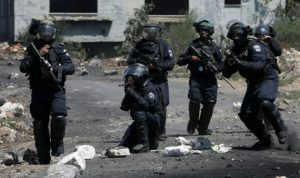 """جرح جندي إسرائيلي خلال محاولة لتوقيف ناشط في """"حماس"""""""