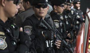"""الشرطة """"تكافئ نفسها"""" في تايلاند"""