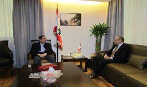 الحاج حسن بحث العلاقات الاقتصادية مع سفير تونس