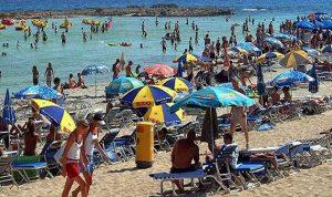 قبرص تستقطب السياح المبتعدين عن مصر وتركيا