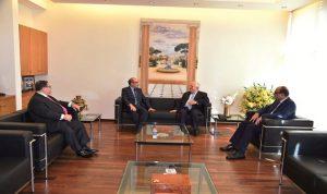 القصار بحث مع السفير التونسي العلاقات الاقتصادية