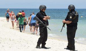 تونس تسعى لاستعادة ثقة السياح بتكثيف الأمن