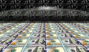 جنون اقتصادي .. ترامب يقترح طباعة الدولارات لتسديد ديون أميركا
