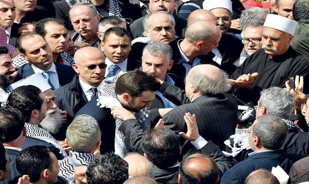 """أزمة جنبلاط في التحالفات: أقرب إلى """"حزب الله"""" و""""أمل""""... في بعبدا"""