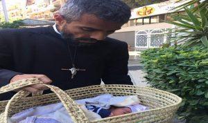 """بالصور: رضيع امام جمعية الاب مجدي علاوي.. """"اسم ابني سيكون مينا""""!"""