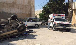بالصورة… إصابة رجل وزوجته في حادث على طريق حالات