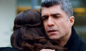 التركي أوزجان دينيز يعترف بعلاقته مع فتاة تصغره بـ 20 عاماً