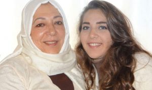 اغتيال معارضة سورية مع ابنتها في اسطنبول