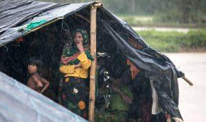 """وضع """"مأساوي"""" جديد في مخيمات الروهينغا"""
