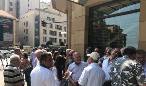 الاتحاد العمالي يقرر التصعيد والاستمرار بالاضراب