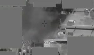 """بالفيديو… لحظة منع عملية إعدام لـ""""داعش"""" في دير الزور"""