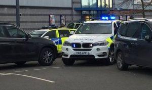 بالفيديو… مسلح يحتجز رهائن في شمال غرب لندن!