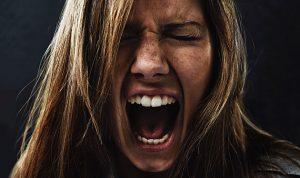 الغضب والانفعال يضرّان صاحبَهما