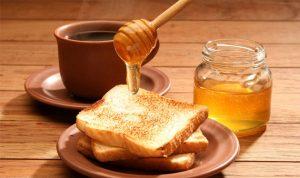 هذا ما يحدث لجسمك عند تناول العسل يومياً