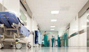 كارثة صحية على أبواب المستشفيات!