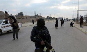 """""""داعش"""" يستعيد السيطرة على القريتين بسوريا"""