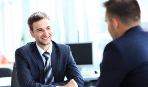 ماذا ترتدي أثناء مقابلة لوظيفة جديدة؟