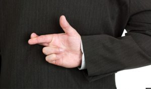 الكذب وسيلة موقتة للتحكم بالآخرين