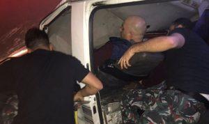بالصور والفيديو … انقاذ مصابين بحادث سير في الكرنتينا