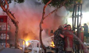 بالصور… اطفاء بيروت سيطر على حريق كبير في الطريق الجديدة