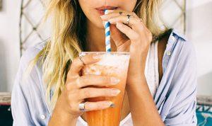 هل عليكم إضافة الكولاجين إلى مشروباتكم؟