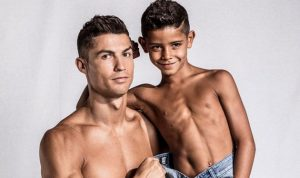 رونالدو: أريد المزيد من الأبناء والكرات الذهبية