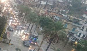 علقوا داخل سياراتهم في طرابلس!