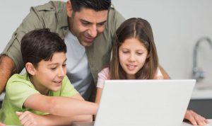 إحموا أولادَكم على الإنترنت في فترة الأعياد